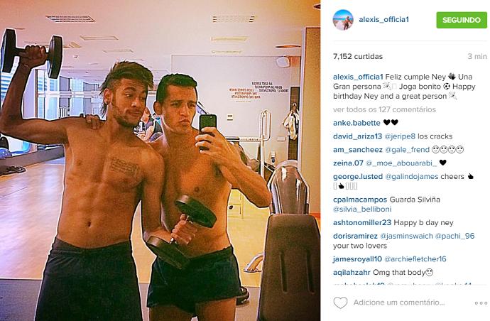 BLOG: Atrasado, Alexis Sánchez deseja parabéns a Neymar com foto antiga da dupla