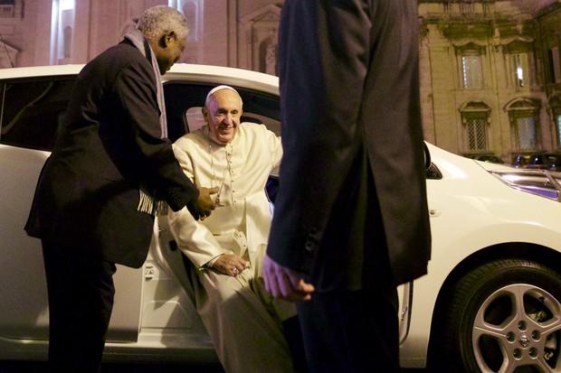 Papa Francisco Nissan Leaf (Foto: Divulgação)