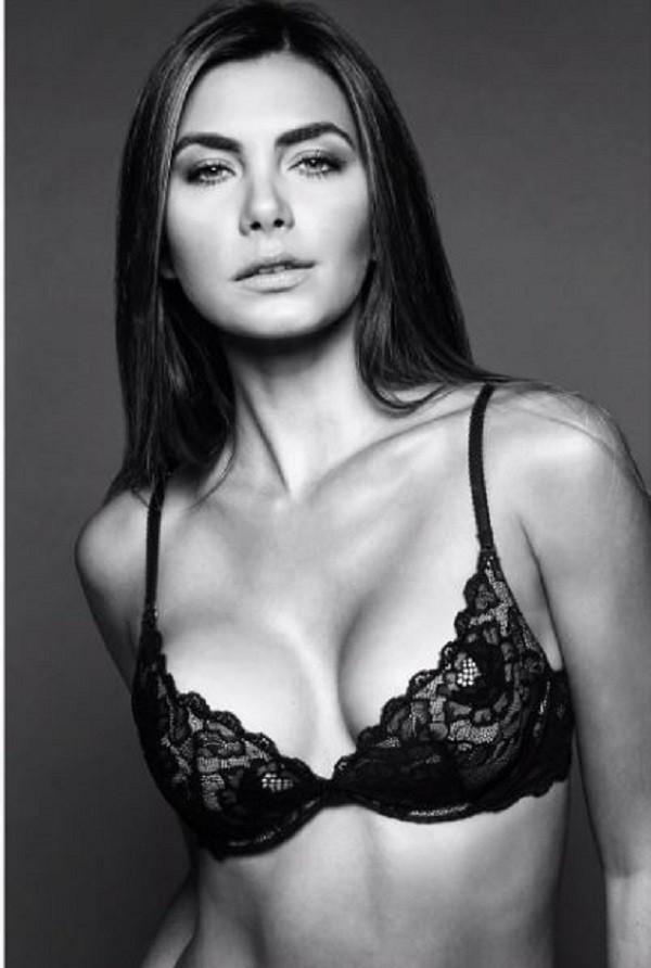 Letícia Datena exibe corpão com lingerie  (Foto: Reprodução Instagram )