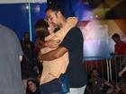 Carolina Ferraz curte o Rock in Rio com o namorado Marcelo Marins