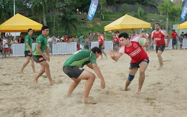 Rúgbi foi um dos esportes praticados neste domingo, nos Jogos Radicais da Amazônia (Foto: Isabella Pina/ GE AM)