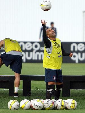 Emerson SHEIK treinando no corinthians (Foto: Anderson Rodrigues/Globoesporte.com)