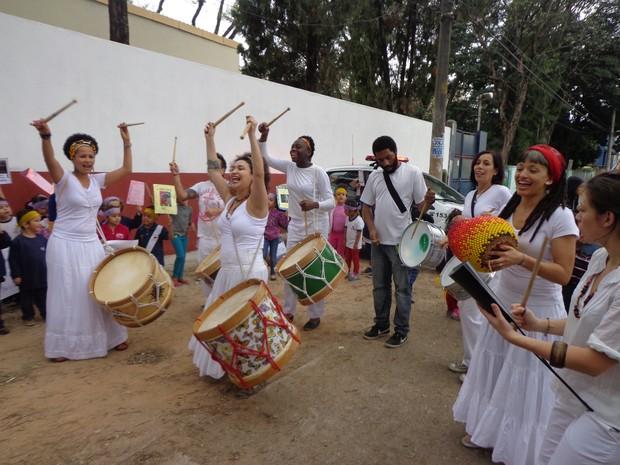 """Grupo luta para mudar nome da escola para """"Nelson Mandela"""" (Foto: Divulgação)"""