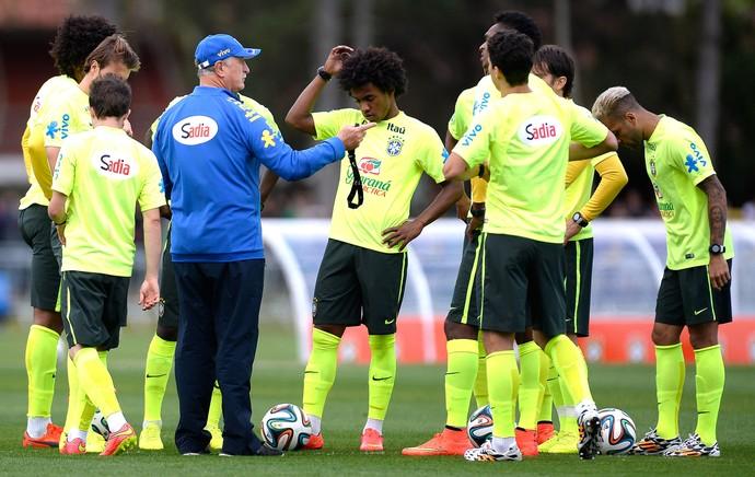 Felipão Scolari Treino Brasil (Foto: Mario Farache / Mowa Press)