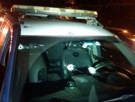 Policiais são baleados após abordagem a assaltantes na Dutra (Divulgação/PRF)