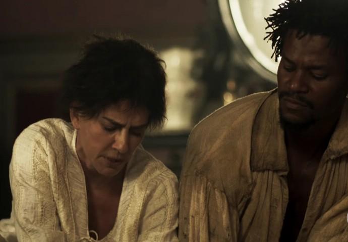 Saviano ajuda Dionísia a executar seu plano (Foto: TV Globo)