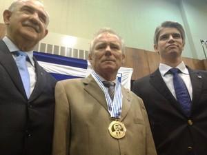 Avaí Zunino medalha comenda homenagem (Foto: Marcelo Silva)