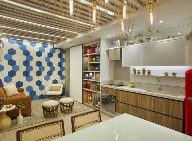 """O """"Estúdio do Artista"""", de Ana Cano Milman e Erica Saraiva tem 23m². O espaço foi projetado para um jovem morador do Rio de Janeiro que gosta de aliar tecnologia e conforto  (Foto: Divulgação)"""