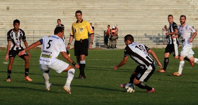 estádio amigão, treze x central (Foto: Junot Lacet Filho / Jornal da Paraíba)