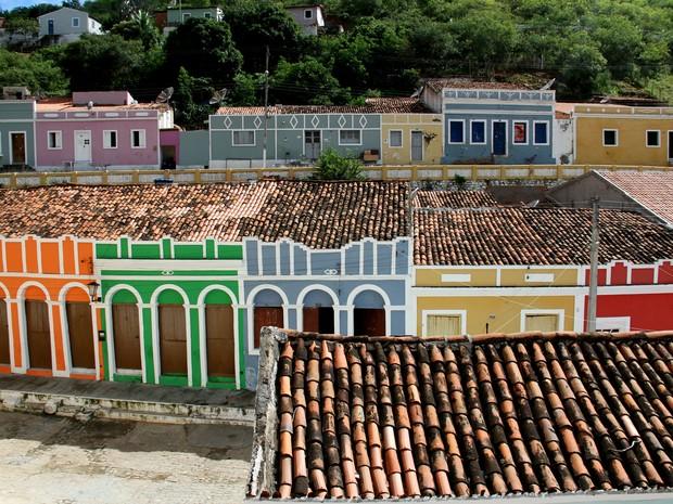 Casarios coloridos são uma das caracteristicas da cidade de Piranhas (Foto: Waldson Costa/ G1)