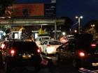 Motoristas esperam 3h para embarcar no ferry-boat na noite desta quarta