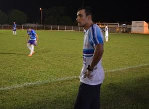 Devair Rêga, técnico do Espigão sub-20 (Foto: Rogério Aderbal)