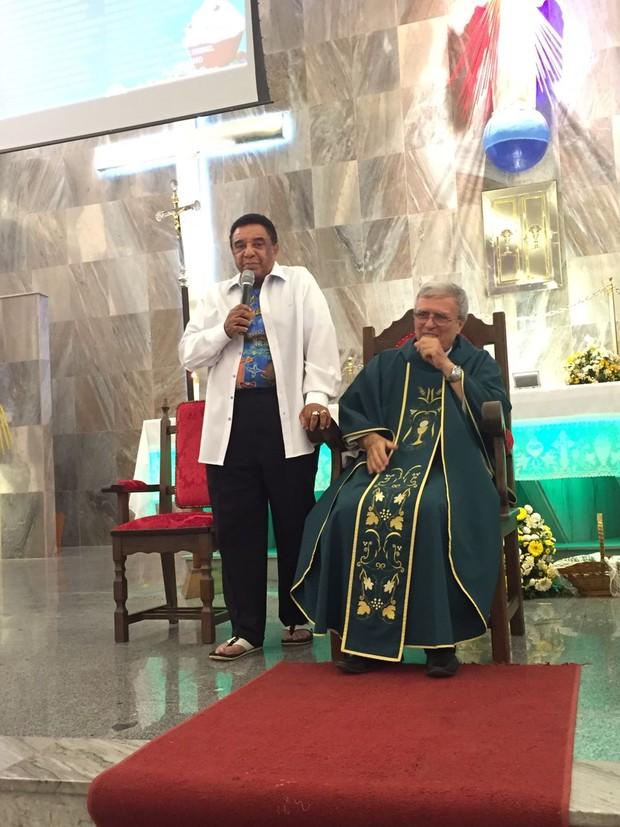 Agnaldo Timóteo na missa comemorando os seus 80 anos (Foto: Arquivo Pessoal)