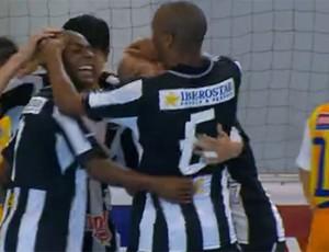 FRAME Botafogo futsal comemoração (Foto: Reprodução / Sportv)