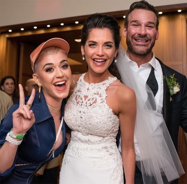 Katy Perry invade casamento em hotel (Foto: Reprodução)