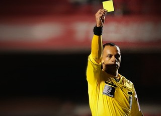 Carrossel cartão amarelo árbitro indisciplina 280 (Foto: FuturaPress)