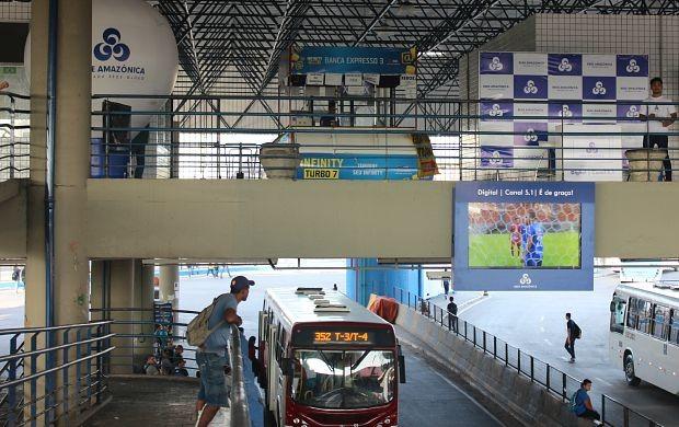 Três telões foram instalados  (Foto: Gisa Almeida/ Rede Amazônica)