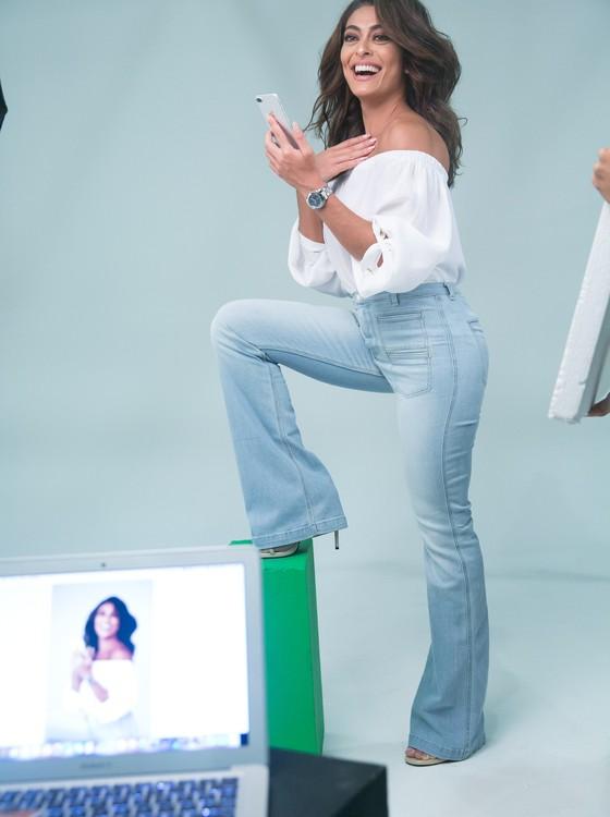Entre uma gravação e outra da nova novela da Globo, a atriz clicou a nova campanha dos relógios Technos signature, (Foto: Rafael Campos)