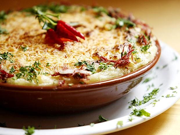 Escondidinho de mandioca com carne de sol, um dos pratos do cardápio do restaurante Consulado Mineiro (Foto: Divulgação)