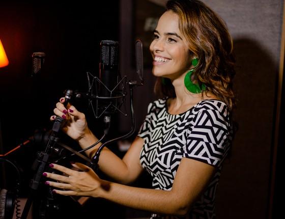 Eline gravou suas primeiras cenas da novela em Manaus e em seguida desembarcou em São Paulo para gravar o novo single (Foto: Taissa Sterim)