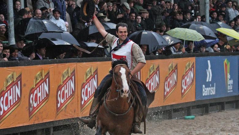guto-freire-freio-de-ouro-cavalo-crioulo (Foto: Divulgação/Guto Freire)