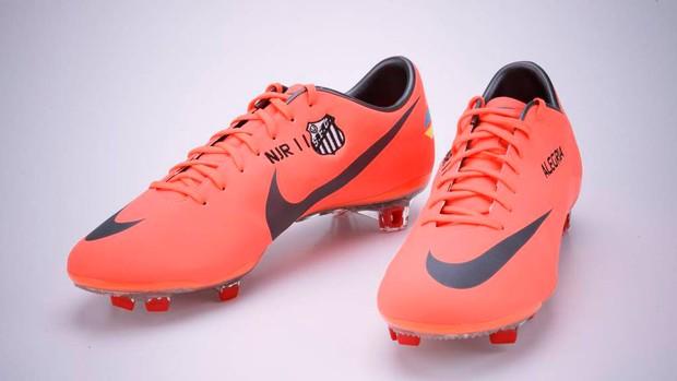 Neymar chuteira (Foto  Divulgação   Nike) 333539c06c9