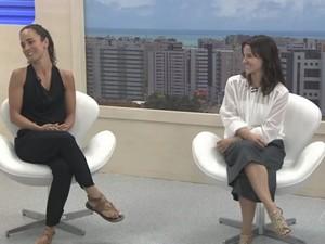 Alice Braga e Bianca Comparato (Foto: Reprodução/TV Gazeta)
