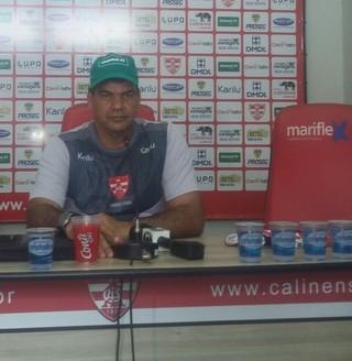 Moacir Junior técnico do Linense (Foto: Alexandre Azank / TV TEM)