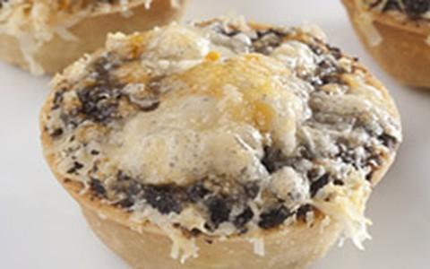 Tartelete de champignon com cream cheese e parmesão
