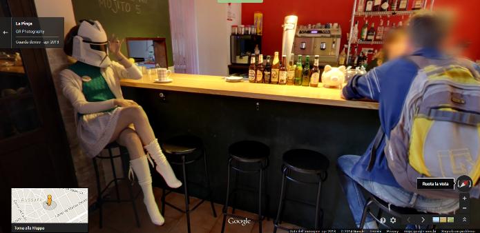 Uma Stormtrooper foi clicada em um café na Espanha (Foto: Reprodução/Google)