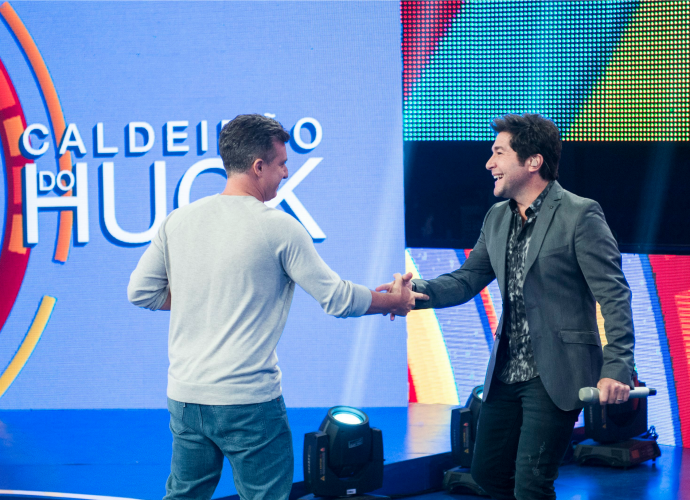 Huck recebe o cantor Daniel no programa deste sábado (Foto: Renato Rocha Miranda/TV Globo)