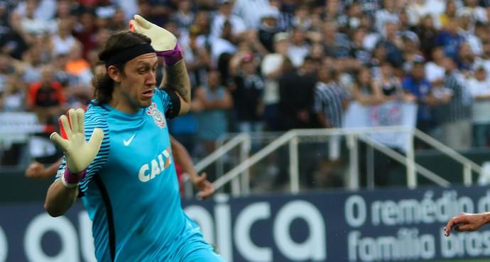 Fernandinho Cássio Botafogo-SP Corinthians (Foto: Rogério Moroti / Agência Botafogo)