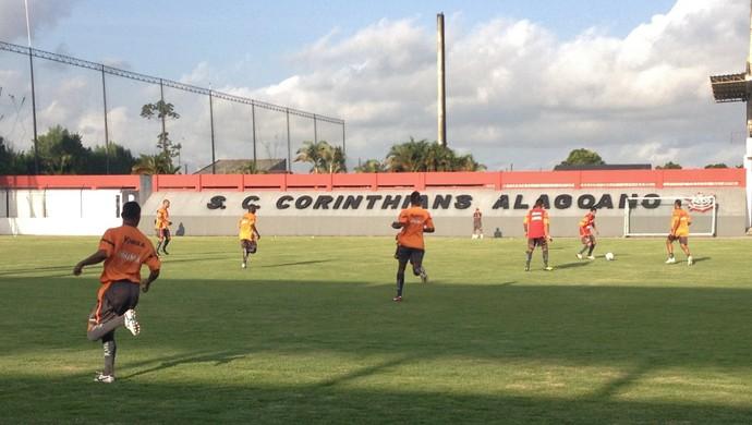 CRB realizou mais um treino tático no CT do Corinthians (Foto: Henrique Pereira/ GloboEsporte.com)