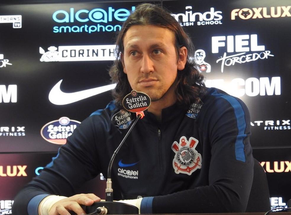 Cássio concedeu entrevista coletiva no Corinthians nesta quinta-feira (Foto: Marcelo Braga)