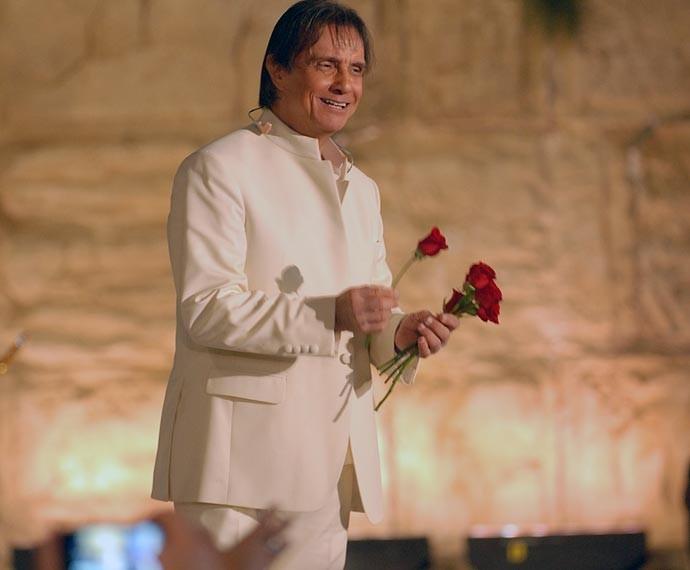 Roberto Carlos emocionou em seu especial gravado em Jerusalém (Foto: Zé Paulo Cardeal/Globo)