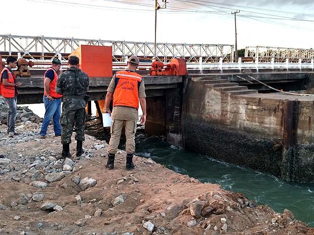 Comportas da barragem do Bacanga desabam, em São Luís (MA) (Foto: Douglas Pinto / TV Mirante)