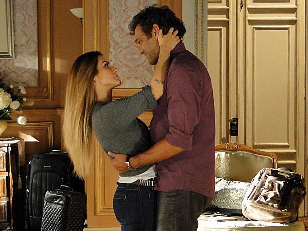 Bianca surpreende Zyah com sua reação (Foto: Salve Jorge/TV Globo)