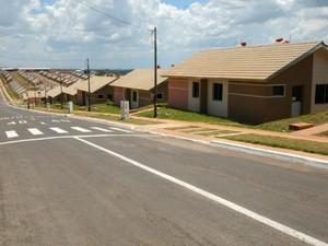 603 casas foram entregues pelo Governo Federal à  moradores de Umuarama neste sábado (1°) (Foto: Divulgação/José Anselmo Sabino/ Prefeitura de Umuarama)
