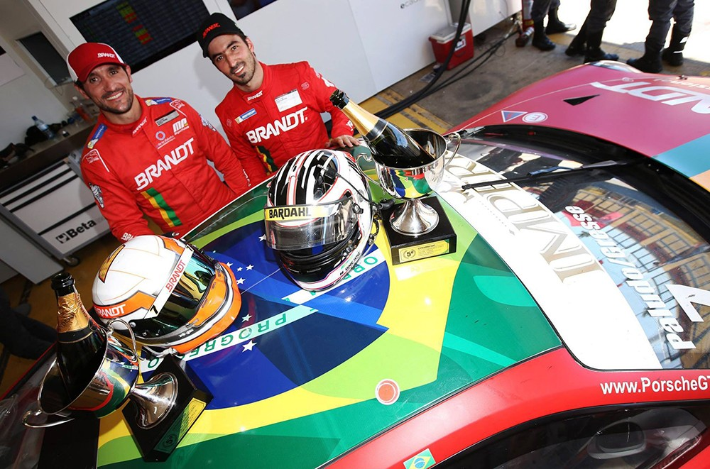 Miguel Paludo e Beto Gresse em primeiro na categoria CUP da Endurance Series (Foto: Divulgação/Luca Bassani/Porsche Império GT3)