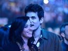 Carinho em público: John Mayer cochicha no ouvido de Katy Perry
