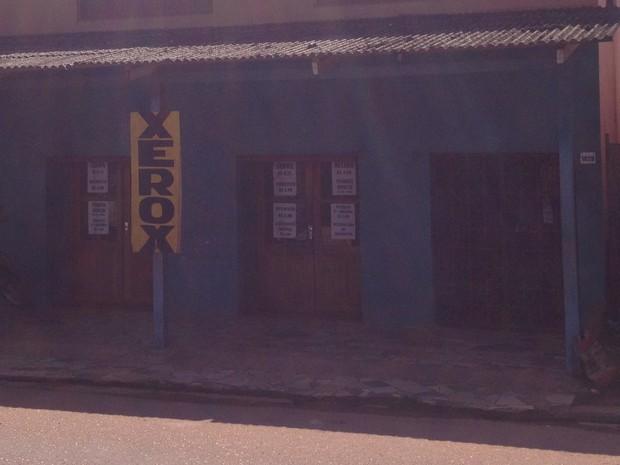 Lan house de Rogério foi assaltada pela segunda vez em 2014 (Foto: Cassio Albuquerque/G1)