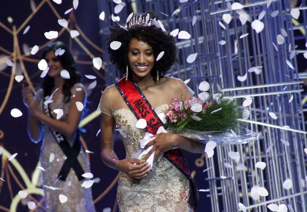 Sabrina de Paiva, Miss Caconde, é eleita a Miss São Paulo 2016 (Foto: Celso Tavares/EGO)