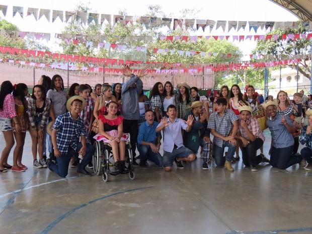 Turmas do Ensino Fundamental participaram da apresentação (Foto: divulgação )