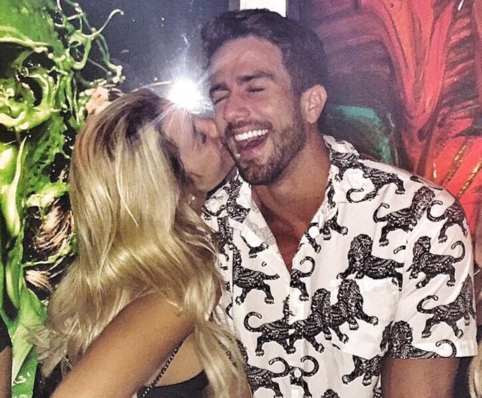 Pugliesi aceita pedido de namoro de Erasmo Viana ao vivo (Foto: Arquivo Pessoal)