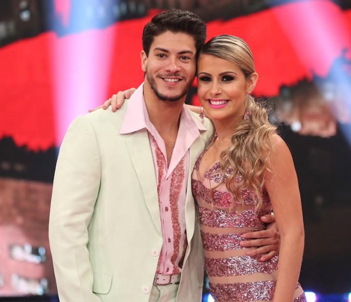 Arthur Aguiar e Mayara Araújo mandam bem no samba (Foto: Carol Caminha/ Gshow)