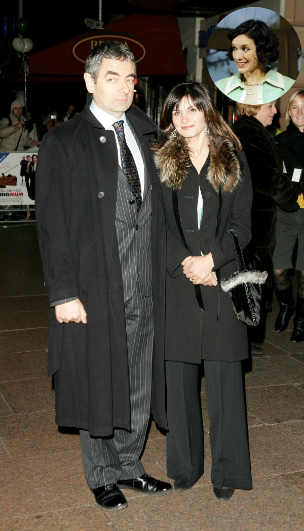 O ator Rowan Atkinson com Sunetra Sastry e Louise Ford (Foto: Getty Images)