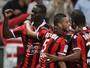 Balotelli deita e rola, Nice atropela o Monaco e assume a ponta do Francês