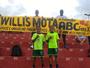 Torcedores homenageiam Mota com faixa durante jogo contra Flu de Feira