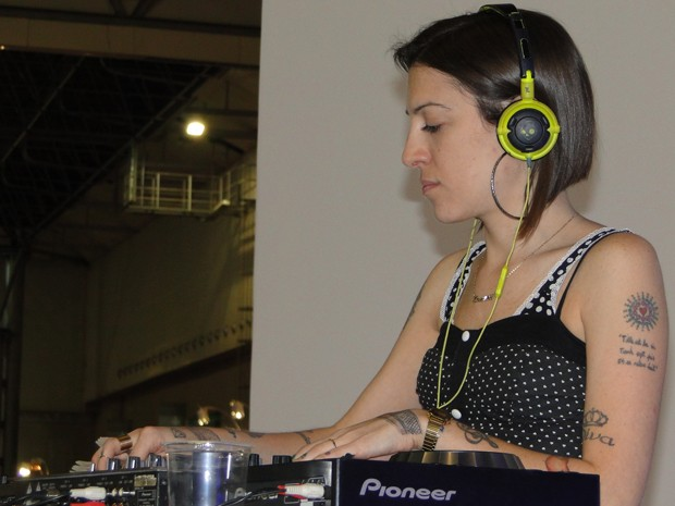 Sininho tocando na Bienal do Automóvel no ano passado em Belo Horizonte