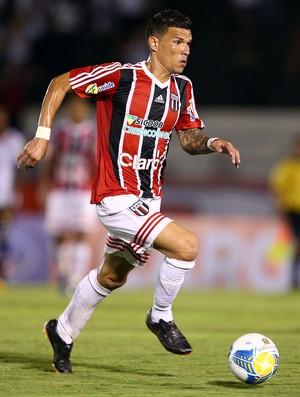 Rodrigo Andrade, meia do Botafogo-SP (Foto: Thiago Calil/Ag. Botafogo)